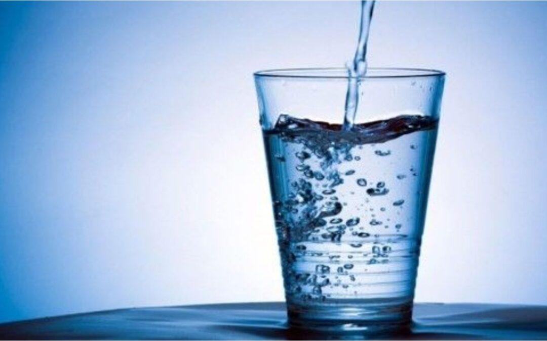 Qual a Melhor Água: da Torneira, de Garrafa ou Filtrada?